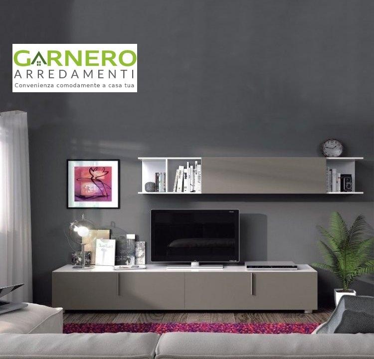 Parete attrezzata atena colore fango dal design moderno for Parete attrezzata design moderno